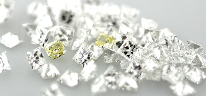 Natural Yellow Diamonds mixed with Colorless Diamonds