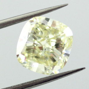 Fancy Light Yellow, 3.20 carat, SI1