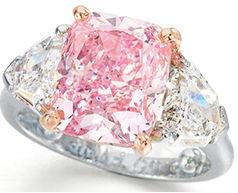 5.00 carat Fancy Vivid Pink diamond - price per carat record holder