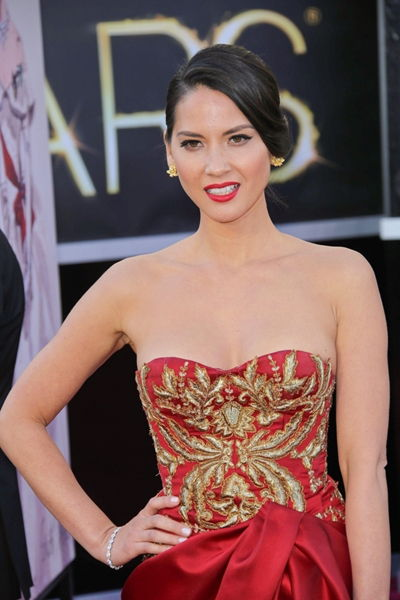Harry Winston Yellow Diamond Floral Earrings Worn by Olivia Munn