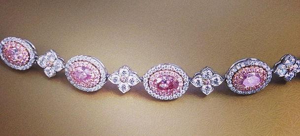 ¿Qué Hay De Mí? Capítulo 186 Pink-Diamond-Bracelet