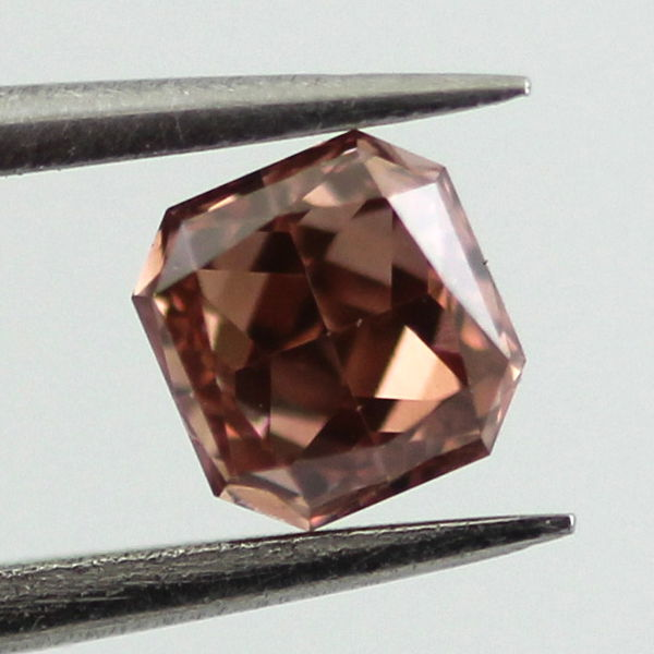 Fancy Deep Orangy Pink Diamond, Radiant, 0.38 carat, VS2 - B