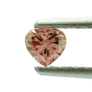 Fancy Deep Orangy Pink, 0.19 carat, SI2