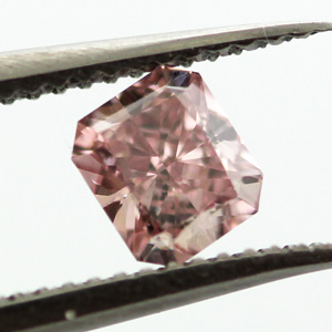 Fancy Intense Pink, 0.22 carat, SI1