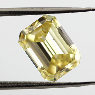 Fancy Intense Yellow, 2.47 carat, SI1