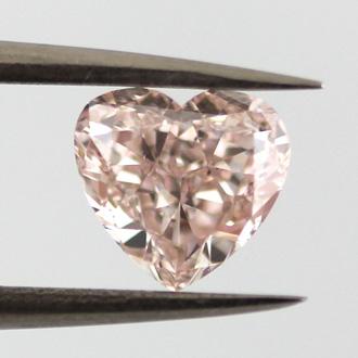 Fancy Light Orangy Pink, 1.01 carat, SI1