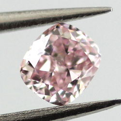 Fancy Pink, 0.16 carat, VS1