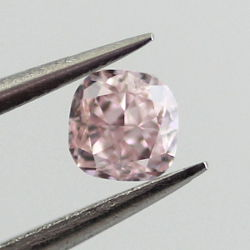 Fancy Purplish Pink, 0.14 carat
