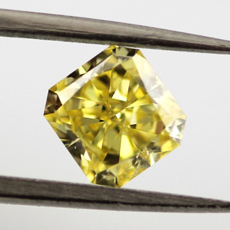 Fancy Vivid Yellow, 0.90 carat, SI1