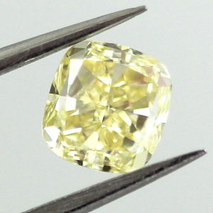 Fancy Yellow, 0.70 carat, SI1