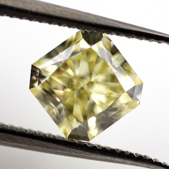 Fancy Yellow, 1.00 carat, SI2