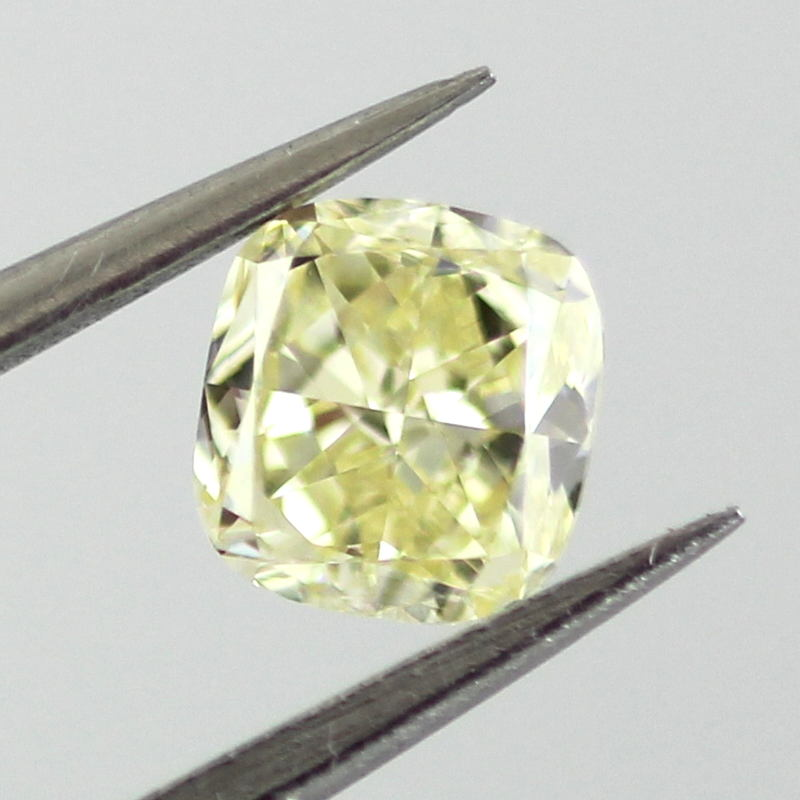 Fancy Yellow Diamond, Cushion, 0.51 carat, VS1 - B