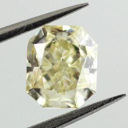Fancy Yellow, 1.00 carat, SI1