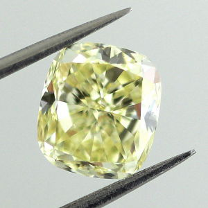 Fancy Yellow, 2.00 carat, VVS1