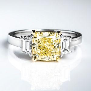 Fancy Light Yellow Diamond Ring, Cushion, 2.51 carat, VS2 - Thumbnail