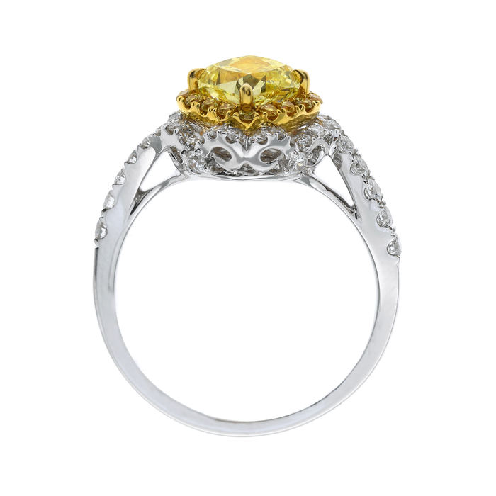 Fancy Light Yellow Diamond Ring, Cushion, 1.17 carat, VS2 - B