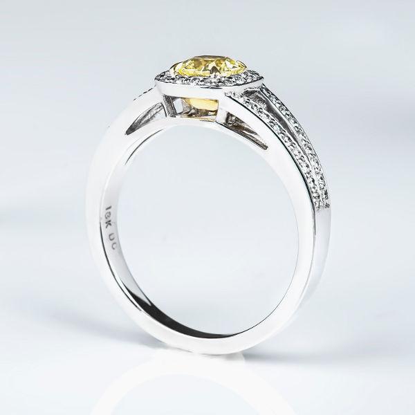 Fancy Light Yellow Diamond Ring, Cushion, 0.50 carat, VS1 - B
