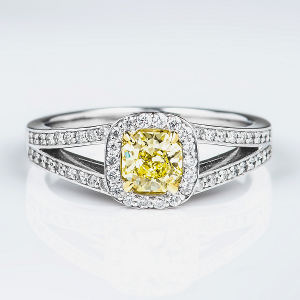 Fancy Light Yellow Diamond Ring, Cushion, 0.50 carat, VS1 - Thumbnail