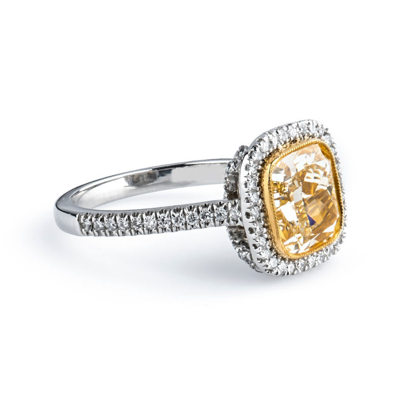 Fancy Light Yellow Diamond Ring, Cushion, 3.01 carat, SI1 - B