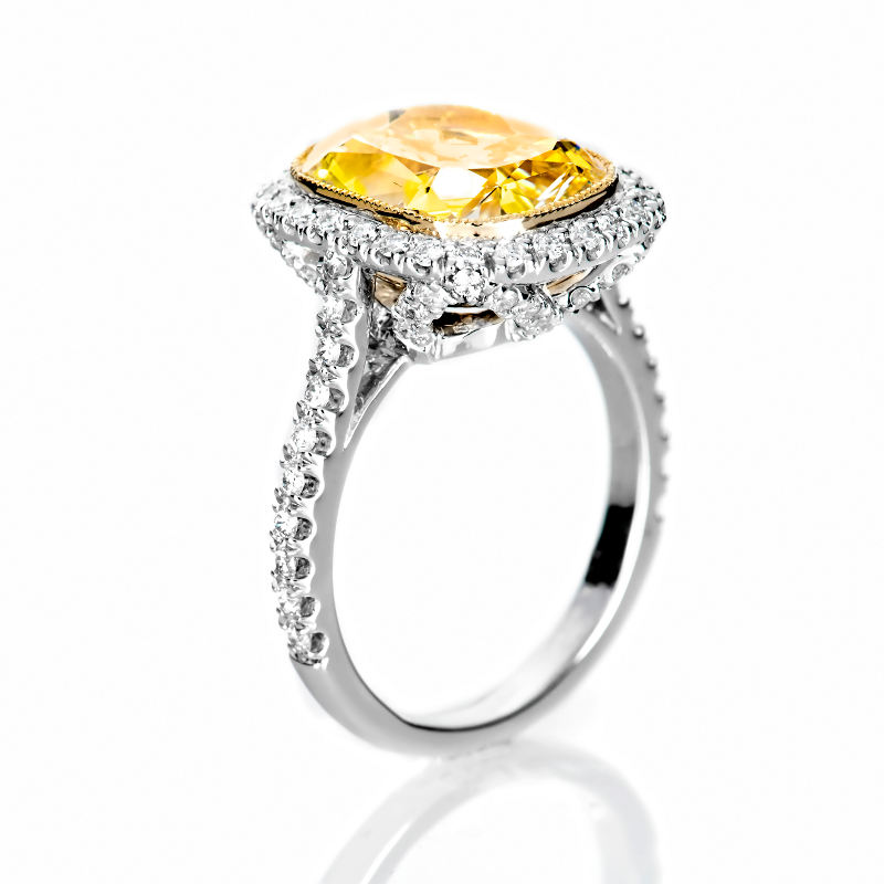 Fancy Light Yellow Diamond Ring, Cushion, 6.46 carat, SI1 - B