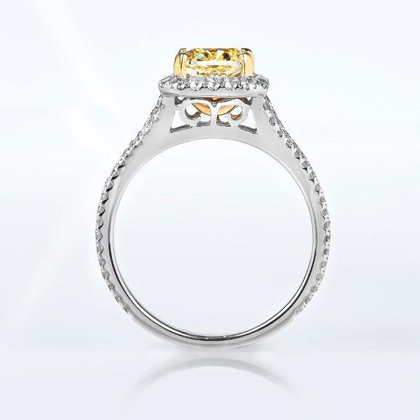 Fancy Yellow Diamond, Cushion, 1.60 carat, VVS2 - B