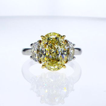 Fancy Light Yellow Diamond Ring, Oval, 5.03 carat, VS2 - Thumbnail