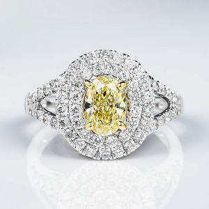 Fancy Light Yellow Diamond Ring, Oval, 1.02 carat, VS1 - Thumbnail