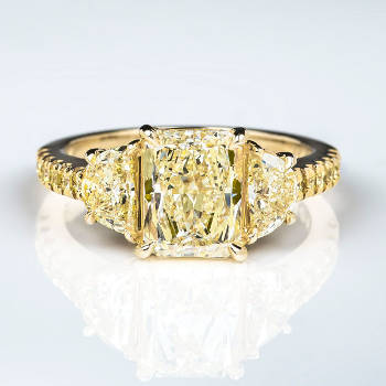 Fancy Light Yellow Diamond Ring, Radiant, 2.03 carat, VS2 (2.94 t.w)