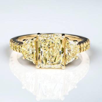 Fancy Light Yellow Diamond Ring, Radiant, 2.03 carat, VS2 - Thumbnail