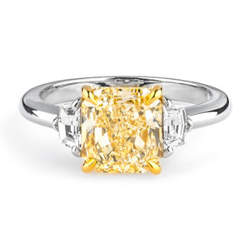 Fancy Light Yellow Diamond Ring, Radiant, 2.81 carat, SI1 - Thumbnail