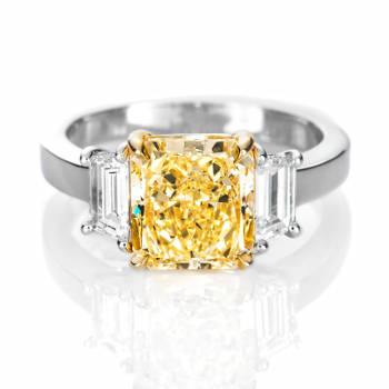 Fancy Light Yellow Diamond Ring, Radiant, 3.11 carat, SI2 - Thumbnail