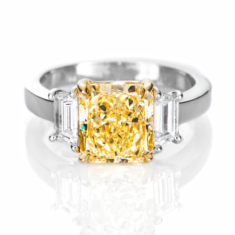 Fancy Light Yellow Diamond Ring, Radiant, 3.11 carat, SI2