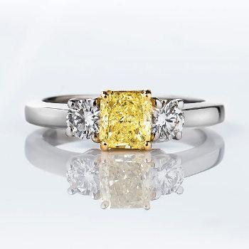 Fancy Yellow Diamond Ring, Radiant, 0.77 carat, SI1 - Thumbnail