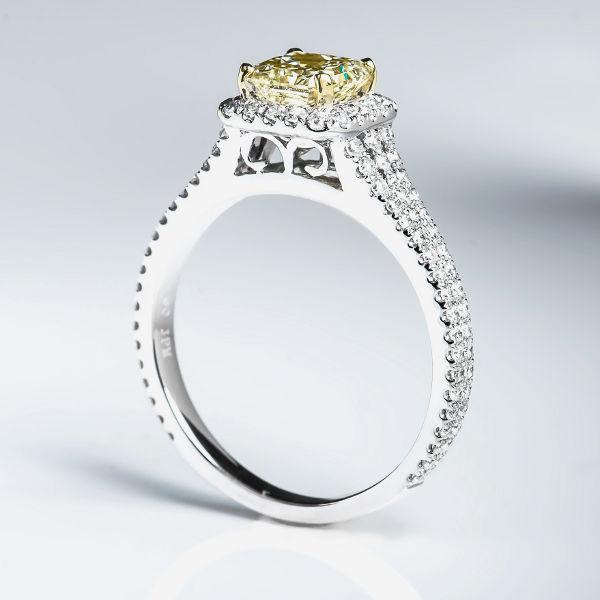Fancy Light Yellow Diamond Ring, Radiant, 1.05 carat, VS1 - B