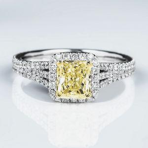 Fancy Light Yellow Diamond Ring, Radiant, 1.05 carat, VS1 - Thumbnail