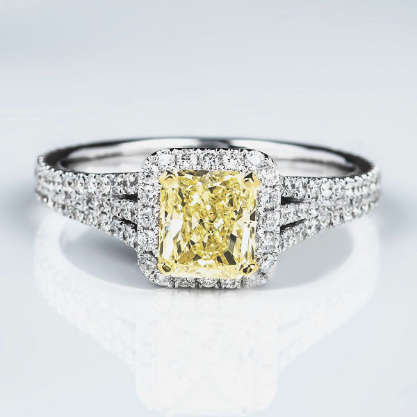 Fancy Light Yellow Diamond Ring, Radiant, 1.05 carat, VS1