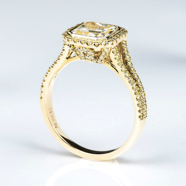 Radiant Halo Fancy Light Yellow Diamond Engagement Ring, 2.19 t.w, SI1 - B