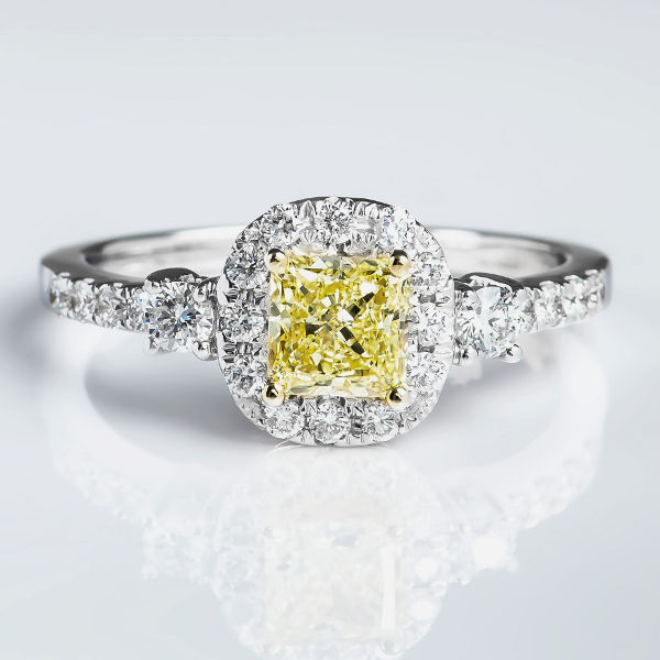 Radiant Halo Fancy Yellow Diamond Engagement Ring, 1.11 t.w, VS1