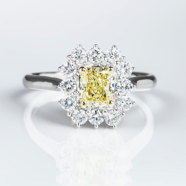 Fancy Yellow Diamond Ring, Radiant, 0.85 carat, VS1