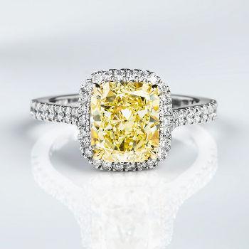 Fancy Yellow Diamond Ring, Radiant, 3.01 carat, VVS2 - Thumbnail