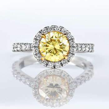 Fancy Intense Yellow Diamond Ring, Round, 1.39 carat, VVS2 (2.14 t.w)