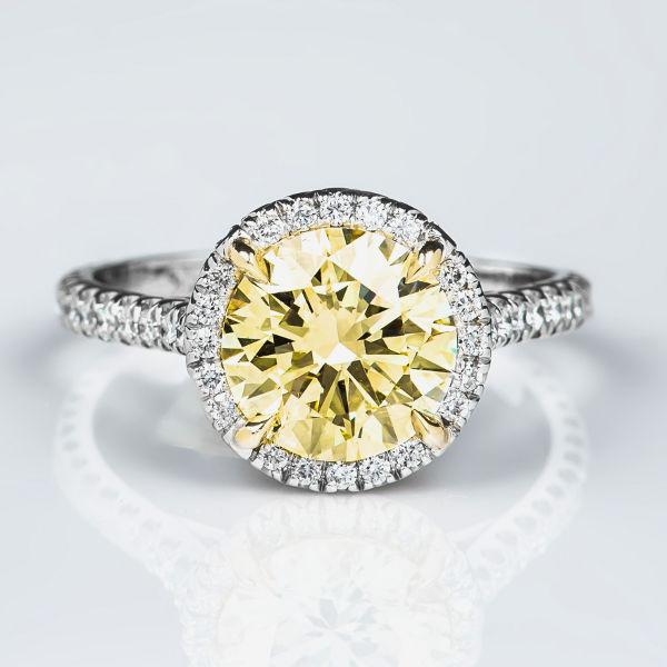 Round Halo Fancy Light Yellow Diamond Engagement Ring, 2.52 t.w ...